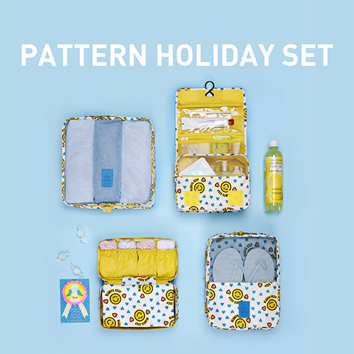 MONOPOLY PATTERN HOLIDAY SET