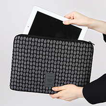 PATTERN LAPTOP SLEEVE